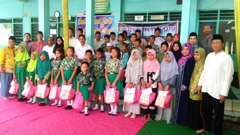 Sekolah di Sidoarjo Ini Santuni Yatim dan Ungkap Solidaritas untuk Papua