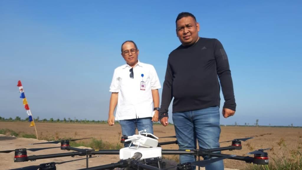 Kementan Tanam Padi Gunakan Drone di Lahan Rawa Program SERASI