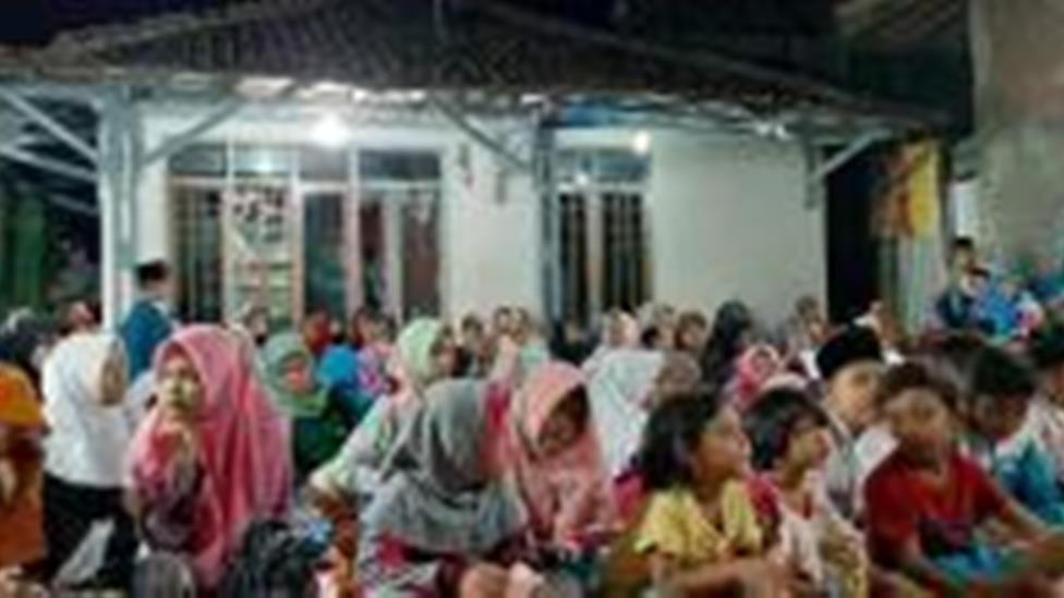 Puluhan Pemuda NU Santuni Yatim di Cirebon