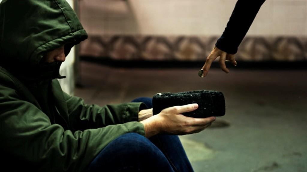 Ancaman bagi Orang yang Memperkaya Diri dengan Mengemis