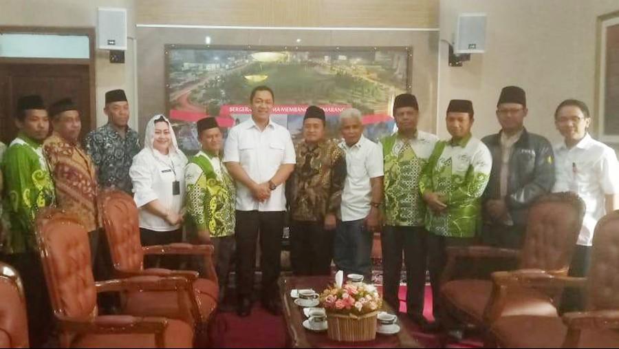 Peringati Hari Santri, Wali Kota Semarang Instruksikan Pegawai Pakai Busana Santri