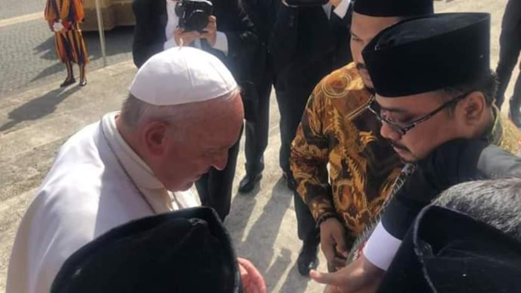 Gus Yaqut Bertemu Paus Fransiskus di Vatikan, Ini Isi Pembicaraannya