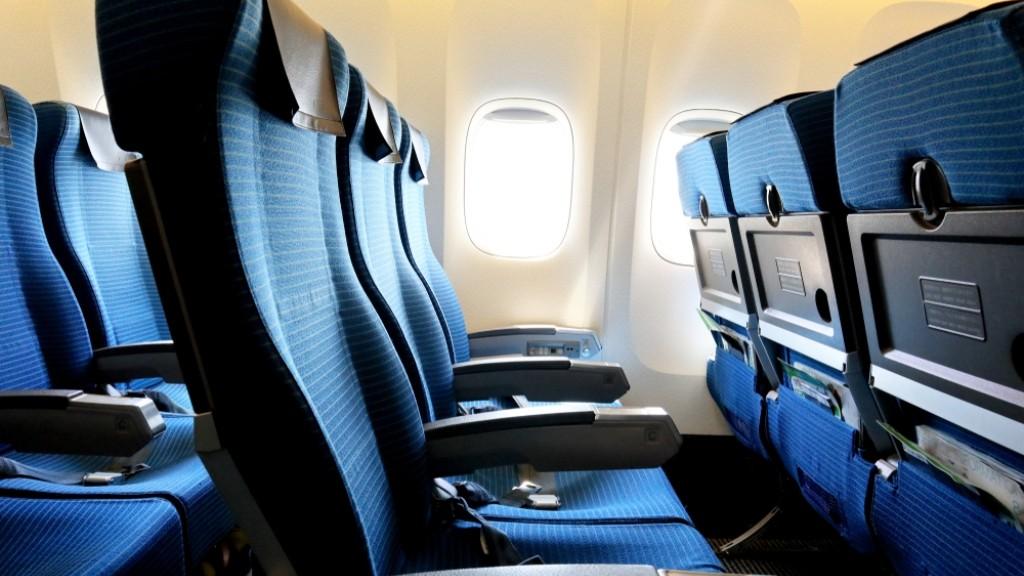 Salah Menempati Kursi Pesawat Terbang