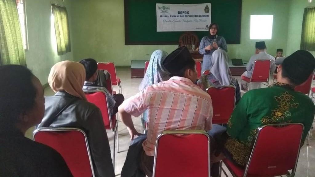 Lesbumi Cirebon: Perempuan Harus Aktif Bahas Narasi Damai