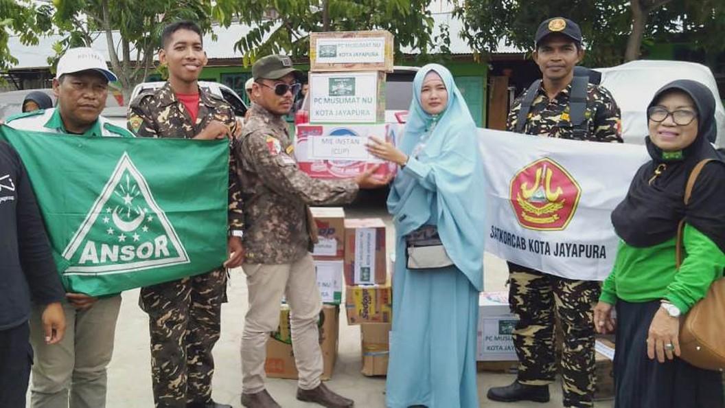 Ansor Jayapura Serahkan Bantuan untuk Pengungsi Wamena