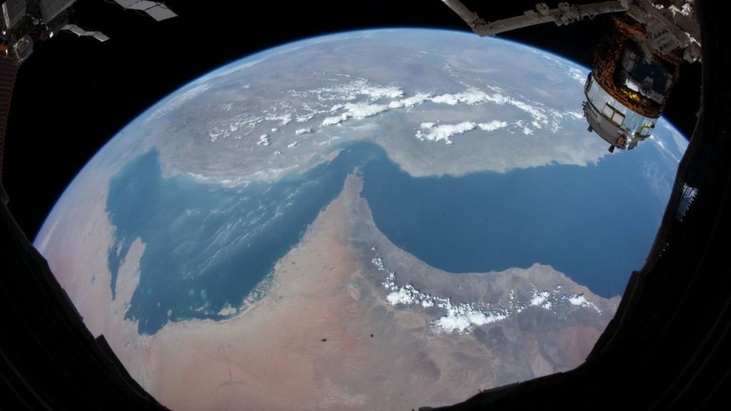 Astronot Arab Hazza Al-Mansoori Yakinkan Bumi Itu Bulat