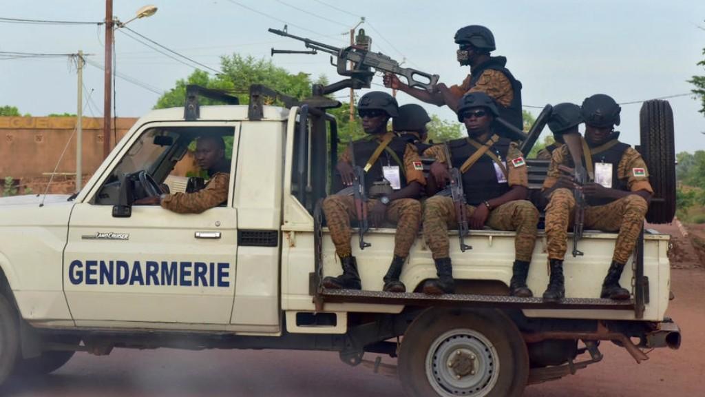 Kelompok Bersenjata Serang Masjid di Burkina Faso, 16 Meninggal