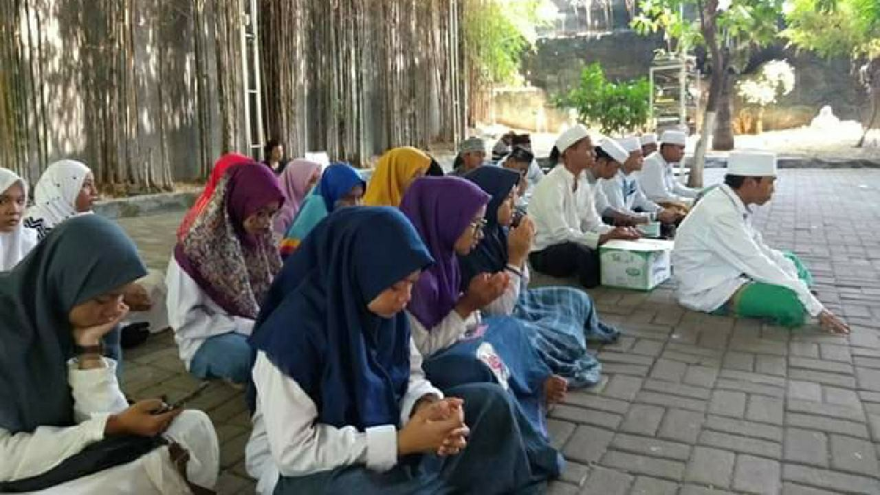 IPNU-IPPNU Surabaya Jadikan Ziarah sebagai Wasilah Kemajuan Organisasi