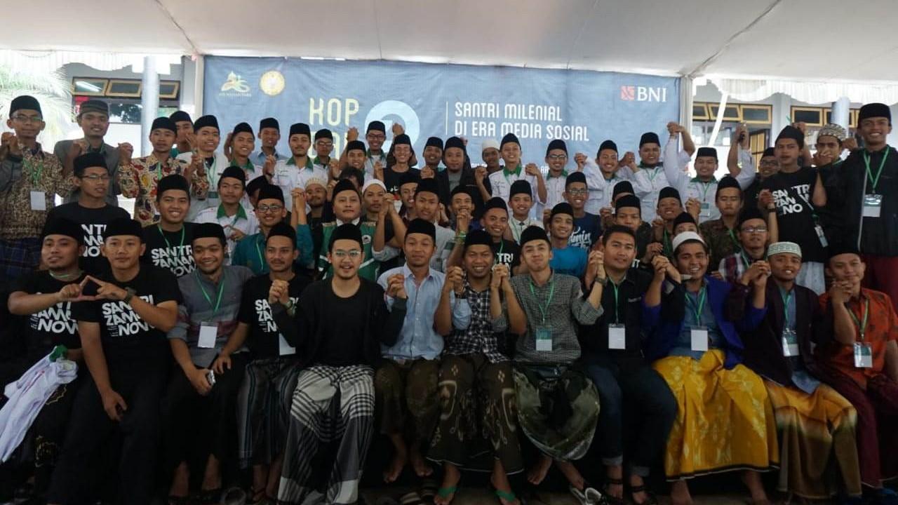 AIS Nusantara Warnai Media Sosial dengan Gaya Santri
