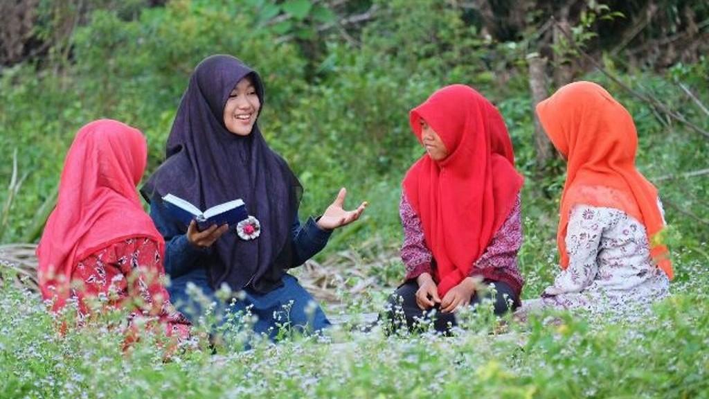 Multilingualisme Santri dan Misi Perdamaian Dunia