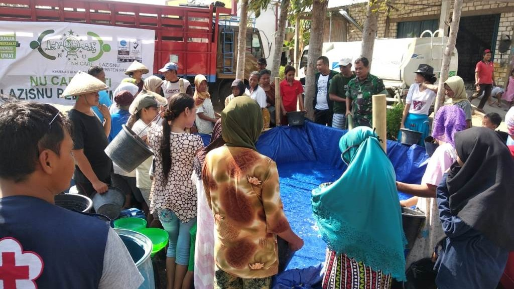 NU Pati Salurkan 300 Tangki Air Bersih untuk Bantu Warga