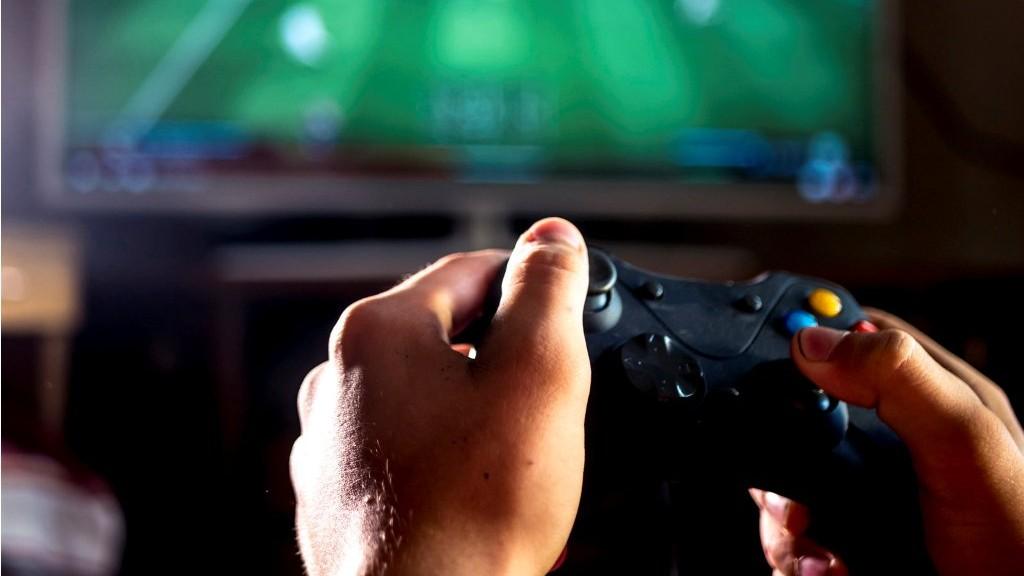 Bagaimana Hukum Bermain Game Online Sampai Alami Kebutaan?