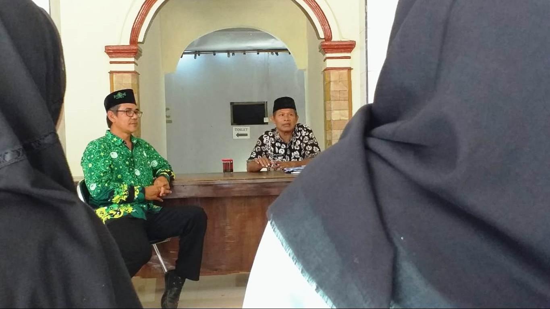 Pelajar SMA NU di Indramayu Pelajari Administrasi Desa