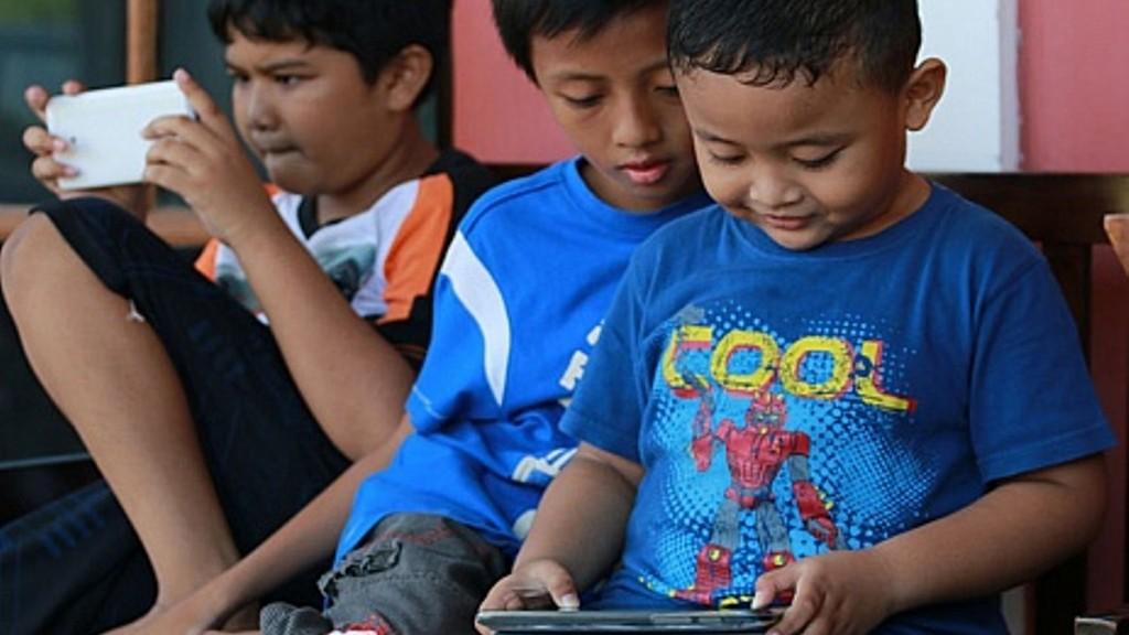 Tips dan Trik Cegah Anak Kecanduan Gawai