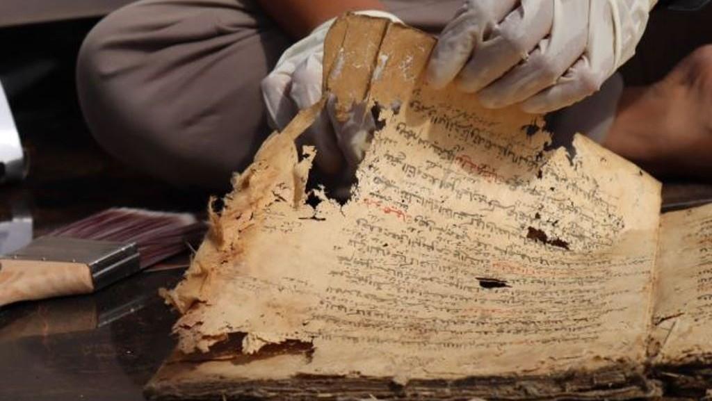 Az-Zahrul Basim, Kitab Maulid Nabi Berbahasa Melayu Betawi
