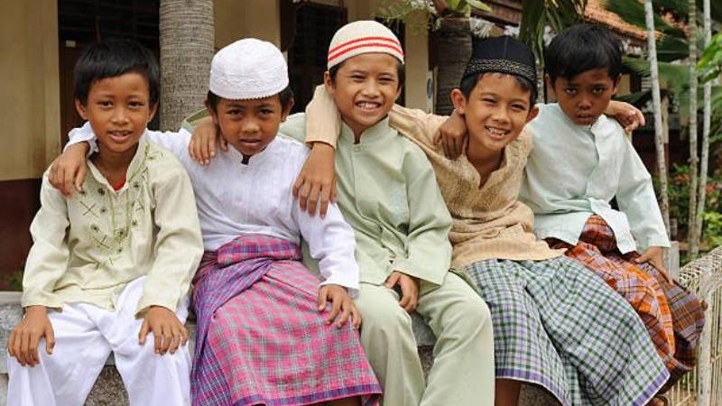 Sekilas Kajian Islam tentang Merumpi di Masjid