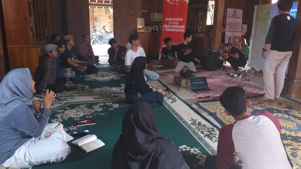 Usir Kebencian, Gusdurian Cirebon Gelar Pelatihan Medsos