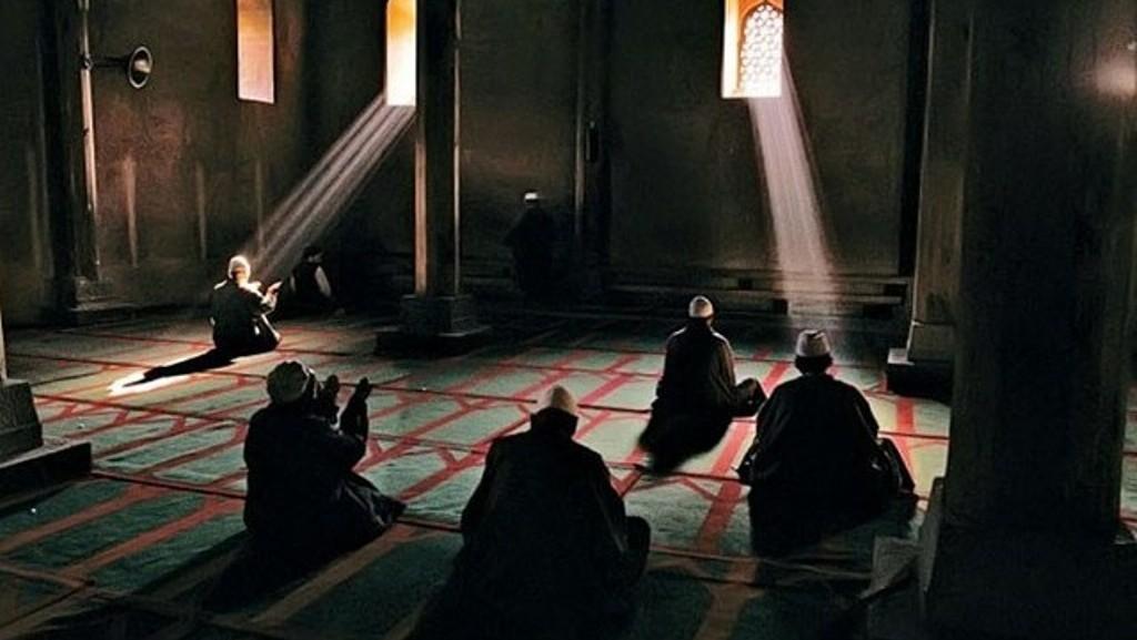 Faktor yang Menyebabkan Amal Ibadah Jadi Beban