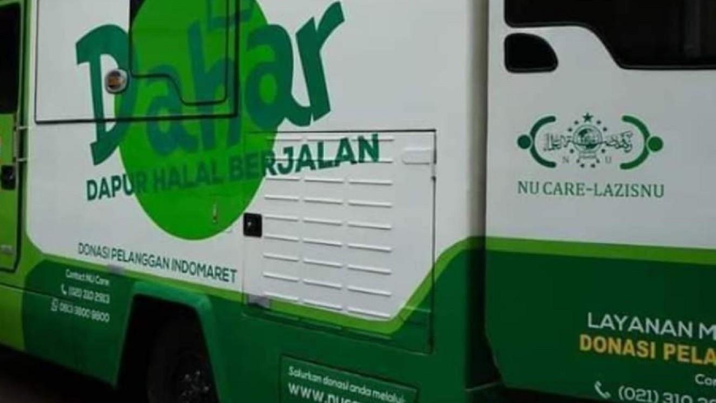 Tim NU Peduli Turunkan Mobil Logistik di Titik Banjir Jakarta