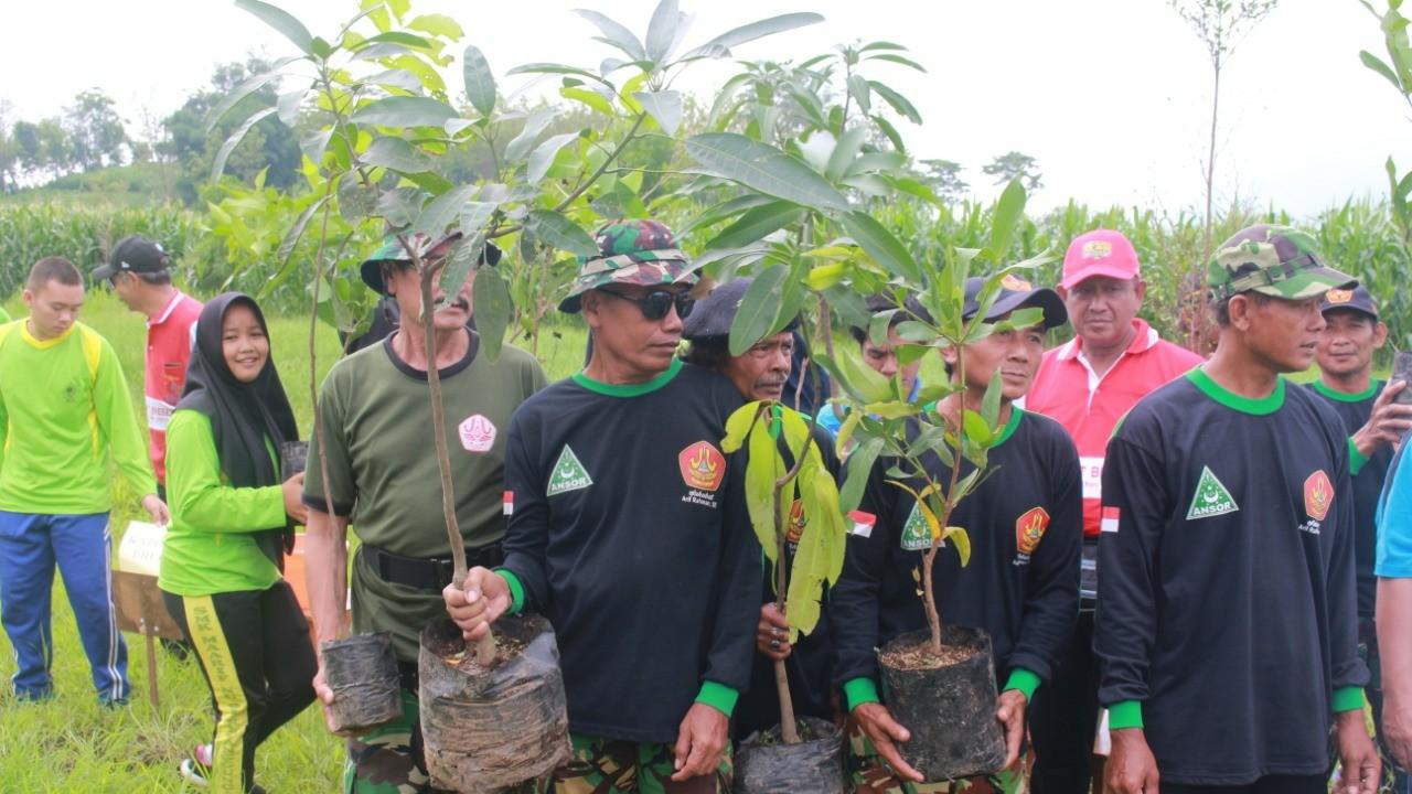 Cegah Banjir, Banser dan Ratusan Pelajar NU Ikut Tanam Pohon