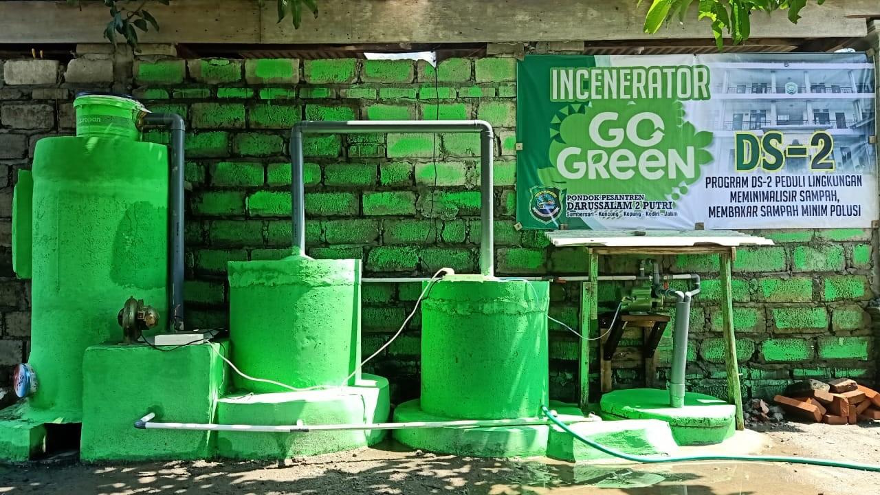 Pesantren Sumbersari Ciptakan Inovasi Bakar Sampah Tanpa Asap