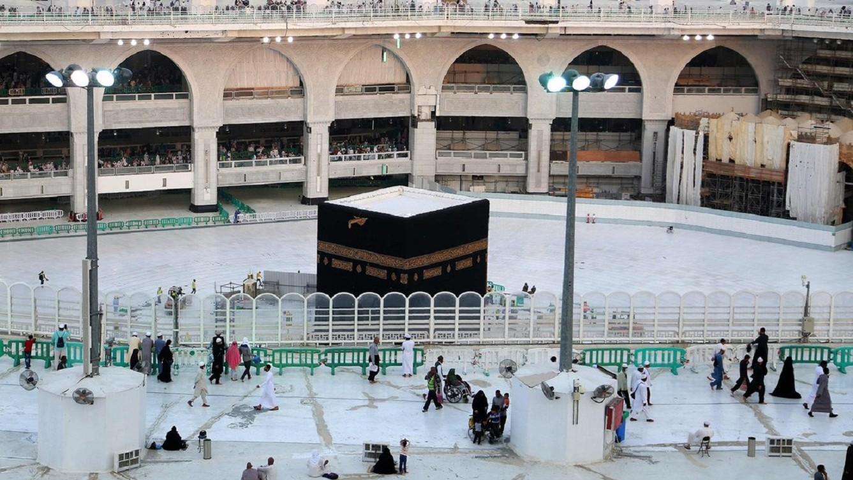 Arab Saudi Tutup Masjidil Haram-Masjid Nabawi pada Malam Hari