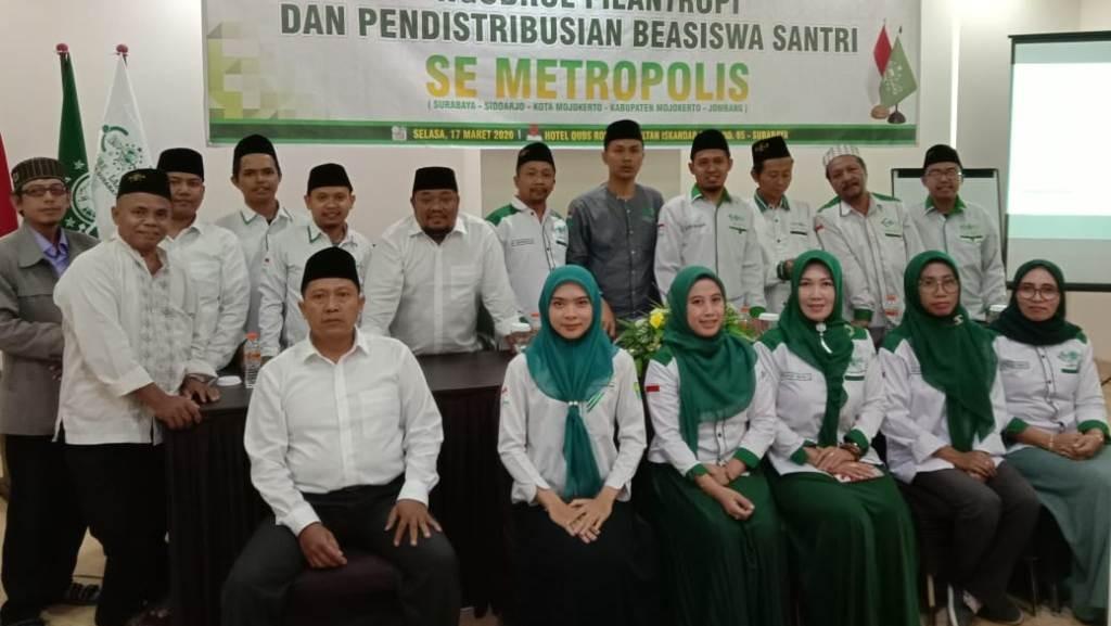 Komitmen LAZISNU Bantu 250 Santri Kurang Mampu di Jawa Timur