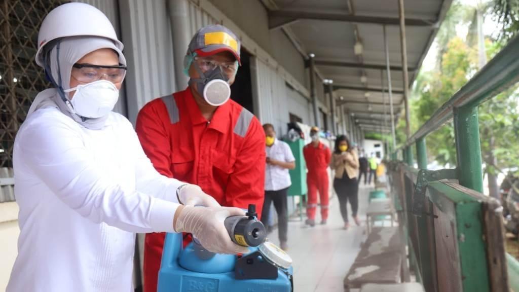 NU Rembang Lakukan Penyemprotan Disinfektan