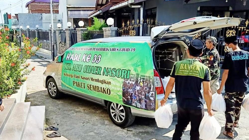 Pandemi Covid-19, Haul KH Abu Khaer Nasori Tegal Diisi Pembagian Sembako