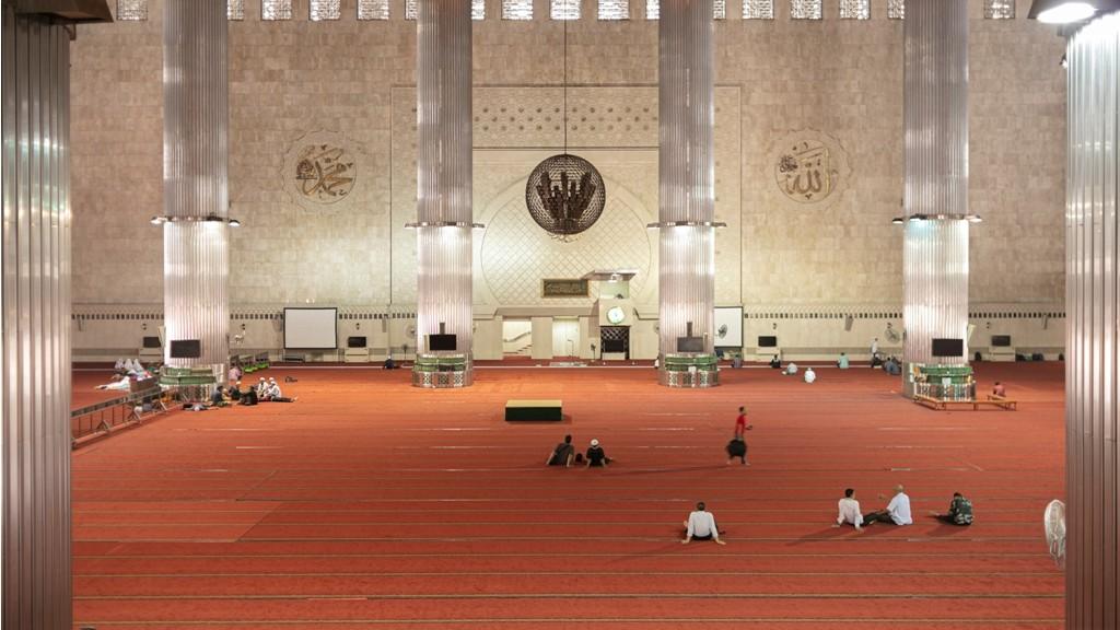 Benarkah Masjid Tempat yang Aman dari Wabah Penyakit?