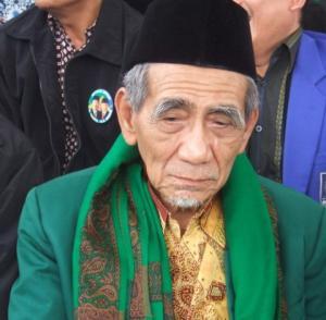 Profil Ahwa: KH Maimun Zubair, Figur Faqih dan Muharrik