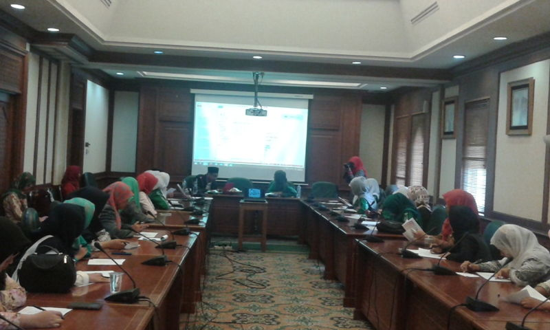Orientasi Pengurus Baru, PP IPPNU Gelar Diskusi Perspektif Gender