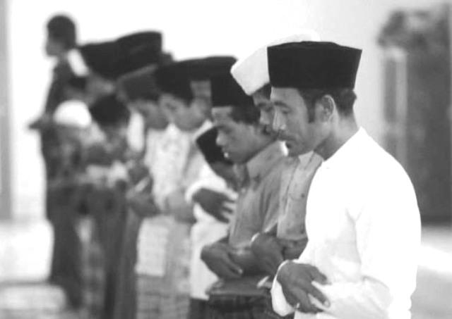 Qunut Subuh Antara Imam dan Makmum (2)