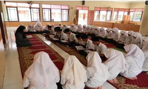 Upaya Perkuat Karakter Siswa Madrasah dengan Pembiasaan