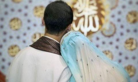Khutbah Jumat: Keharusan Bersikap Baik kepada Istri