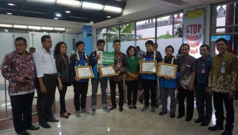 Tim Pemuda Indonesia Juara Dunia Sepak Bola Robot di Montreal Kanada