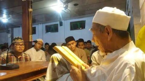 Adab-adab Pelajar kepada Guru Menurut KH Hasyim Asy'ari (II)