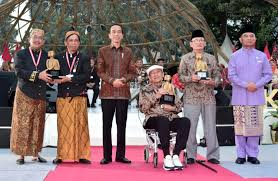 President stresses tolerance at cultural congress conclusion