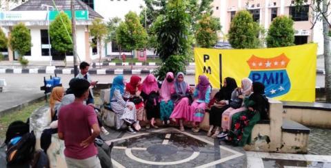 Darah Perempuan Jadi Bahan Diskusi PMII IAIN Pontianak