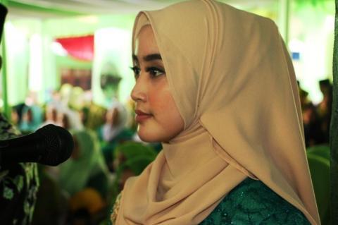 Fatayat Garut Ini Bangga Jadi Pembawa Acara di Hadapan Jokowi