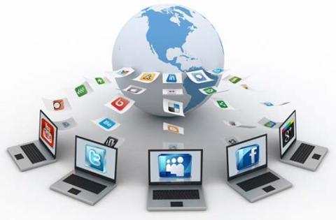 Khutbah Jumat: Menghadapi Derasnya Informasi di Era Teknologi