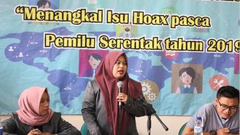 Ketua PW IPPNU jabar, Nurul Fatonah (berdiri)