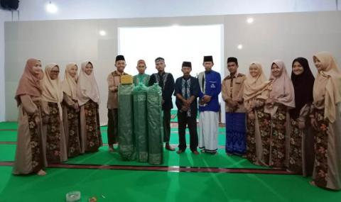 Mahasantri UIN Lampung Salurkan Sejumlah Bantuan