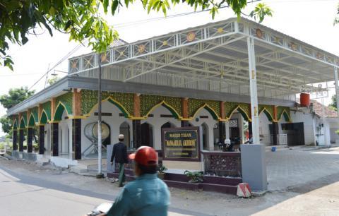 Masjid Tiban di Jombang, Jawa Timur