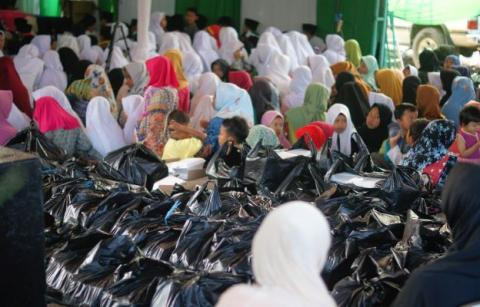 16 Ribu Makanan Buka Puasa Dibagikan di 15 Titik Kemacetan Kota Bandung