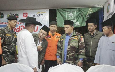 Habib Luthfi (pakai topi laken) saat kunjungi Posko Mudik Banser Pekalongan