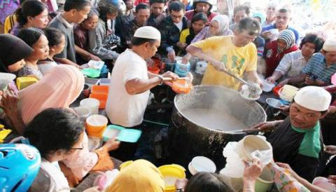 Hari Ini, Kesempatan Terakhir Berbuka Bubur Samin di Masjid Jayengan Solo
