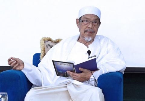 KH Tolchah Hasan, Sosok Kiai dan Guru Besar yang Merakyat