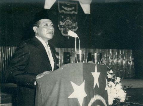 Wirid KH Saifuddin Zuhri di Tengah Berondongan Peluru Tentara Sekutu