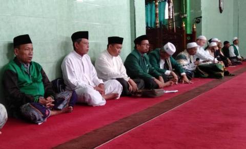 Jamaah ngaji kitab Jawahirul ma'ani Kabupaten Lebak, Banten